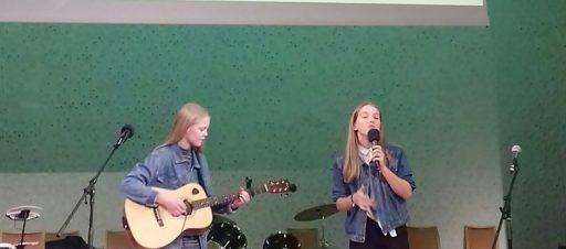 Aštuntokės atstovavo mokyklai vokiškų dainų festivalyje