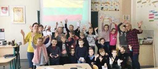 Užsiėmimai apie gestų kalbą 1e, 2d ir 3d klasėse
