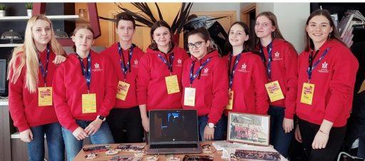 Mokinių savivalda pristatė savo veiklą savivaldų mugėje