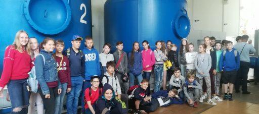 5d klasės mokiniai senojoje Sereikiškių vandenvietėje