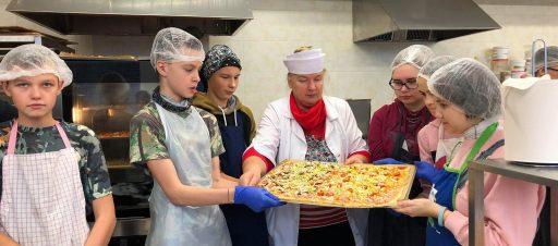 Picų kepimas profesinio mokymo centre