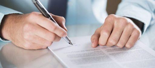 Naujai atvykusių mokinių sutarčių pasirašymas